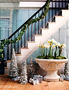Christmas Staircase Decorations | Christmas Staircase