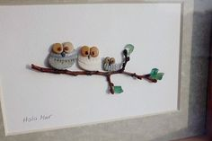 Owl family pebble art by HolamarPebbleart on Etsy Stone Pictures Pebble Art, Stone Art, Stone Crafts, Rock Crafts, Pebble Painting, Stone Painting, Sea Glass Art, Glass Artwork, Owl Pictures
