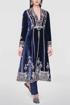 Shop Anita Dongre Gota patti embroidered kurta set , Exclusive Indian Designer Latest Collections Available at Aza Fashions Indian Fashion Designers, Indian Designer Outfits, Designer Dresses, Shalwar Kameez, Churidar, Anarkali, Pakistani Lehenga, Velvet Dress Designs, Raw Silk Fabric
