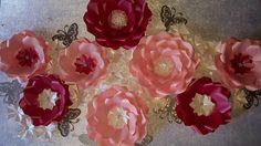 Flower Wall Wedding, Wedding Flowers, Princess Party Decorations, Wedding Decorations, Princess Theme Birthday, Flower Wall Backdrop, Large Paper Flowers, Flower Center, Rose Gold Foil
