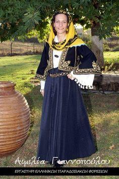 Greek Traditional Dress, Greek Culture, Folk Dance, Greek Mythology, Greeks, Costumes, Folklore, Skirts, Fantasy