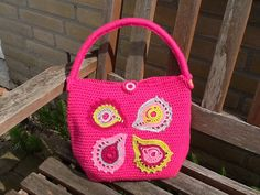 Crochet bag made by Plume. Happy to say this project turned out the way I wanted. :-)