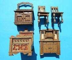 Uralte Möbel für die Puppenstube Puppenhaus - Bett Schrank Stühle - TOP