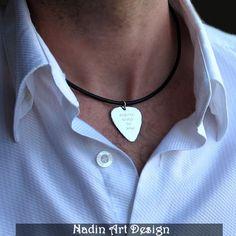 Gitarrenplektrum-Halskette / Schmuck der Männer von NadinArtDesign auf DaWanda.com
