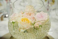 Sylvie Cordenner; http://couteausuisseproduction.fr/actu/2016/9/13/mariages-mes-coups-de-coeur-dco-robes-photos-lieux, mariage; vignoble; clisson; vignes; chic; Loire atlantique; decoration; deco; cocktail, wine themed wedding, rare rose bouquet, bouquet throwing