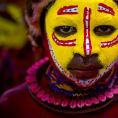 Huli boy - Mount Hagen Papua New Guinea by Eric Lafforgue, via Flickr