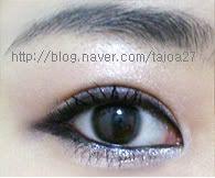 Hooded Lid Makeup