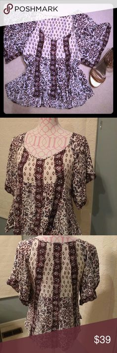 Free People tunic Like NEW super cute tunic. 100% Rayon hand wash. Armpit to armpit 18 inches, length 21 to 23 inches. Free People Tops Tunics