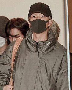 Namjoon airport fashion Airport Fashion, Airport Style, Jung Kook Bts, Namjoon, Rain Jacket, Windbreaker, Boyfriend, Anorak Jacket, Raincoat
