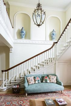 This Traditional English Manor House combines the best of English decor from past and present with some of the most iconic architectural styles from history English Manor Houses, English House, Cheap Rustic Decor, Cheap Home Decor, Hampshire House, Interior Staircase, Staircase Ideas, Georgian Interiors, English Country Decor
