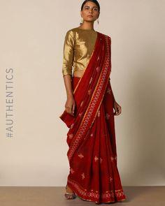 Indian Fashion Modern, Indian Fashion Trends, Best Blouse Designs, Saree Blouse Neck Designs, Saree Wearing Styles, Saree Styles, Trendy Sarees, Stylish Sarees, Maroon Saree