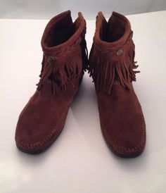 MINNETONKA Fringe Moccasin Boots Shoes Ankle Brown Suede Leather Womens Size 9 #MinnetonkaMoccasin #Fringe #Casual