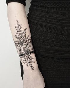 Hand Tattoos for Women . Hand Tattoos for Women . Piercing Tattoo, Cuff Tattoo, Tattoo Band, Tattoo Bracelet, Piercings, Flower Bracelet, Edelweiss Tattoo, Armband Tattoos, Floral Tattoos