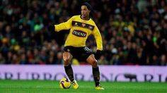 Ronaldinho llega esta noche a Guayaquil para la Noche Amarilla