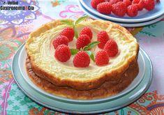 Tarta de yogur griego, es como una tarta de queso, pero además de fresca y deliciosa, es ligera | Gastronomía & Cía Online Bakery, Cake Recipes, Dessert Recipes, Natural Yogurt, Sweet Cakes, Pretty Cakes, Sin Gluten, No Bake Desserts, I Love Food