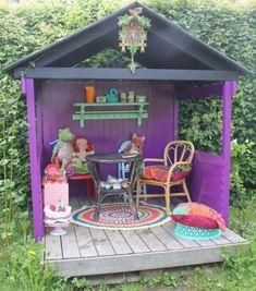 kleines kinderspielhaus lila design dekoration