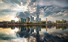Frankfurt Skyline in a Long exposure. Shutter Speed, Slow Shutter, Long Exposure, New York Skyline, Skyscraper, Reflection, Abstract, Architecture, Exposure Photography