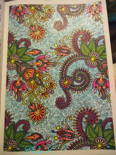 """Floral de """"100 coloriages antistress"""" d'art thérapie"""