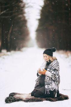 Winter maternity by http://bigappleorganizers.com/