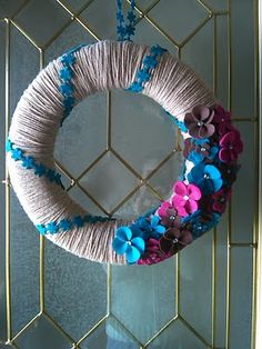 DIY Yarn Wreaths - E
