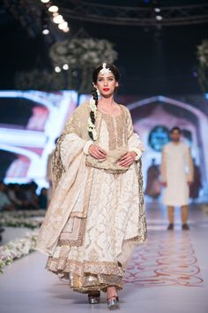 HSY Bridal Collection at PBCW 2014 DAY 3