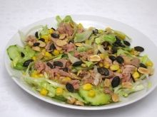Ľadový šalát s tuniakom Potato Salad, Potatoes, Vegetables, Ethnic Recipes, Food, Potato, Essen, Vegetable Recipes, Meals