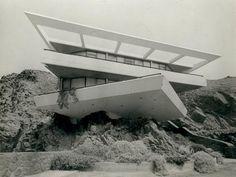 Walter Weberhofer - Fernandini House, Peru 1957 - looks like modern art Futuristic Architecture, Contemporary Architecture, Interior Architecture, Mid-century Modern, Modern Design, Bauhaus, Brutalist, Construction, Instagram