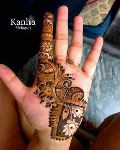 So to help you out, here are 35 Mehndi Designs for Eid that will make your hands look outstanding on Ramzan. Check it out now! Henna Art Designs, Mehndi Designs For Girls, Mehndi Designs 2018, Mehndi Designs For Beginners, Modern Mehndi Designs, Dulhan Mehndi Designs, Mehndi Design Photos, Mehndi Designs For Fingers, Wedding Mehndi Designs