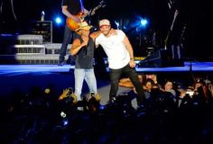 "Kenny Chesney and Sam Hunt Sing ""Come Over"" Together"
