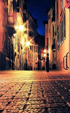 barcelona street by night by Daniel Flower, via Flickr