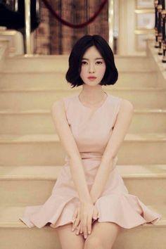 Korean Fashion On The Streets Of Paris Asian Woman, Asian Girl, Yoon Sun Young, Estilo Lolita, Mode Style, Asian Style, Ulzzang Girl, Mannequins, Asian Fashion