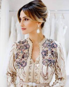 Image may contain: 1 person Morrocan Dress, Moroccan Bride, Moroccan Caftan, Abaya Fashion, Modest Fashion, Couture Fashion, Oriental Dress, Oriental Fashion, Dresses In Dubai