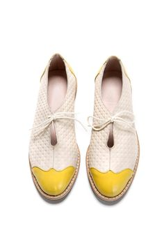 Bday SALE off Oxford flat shoes - white and yellow oxford shoes - tie oxford shoes - Handmade by ImeldaShoes Pretty Shoes, Beautiful Shoes, Tie Shoes, Shoes Sandals, Flat Shoes, Paris Mode, Yellow Shoes, Dream Shoes, Shoe Collection