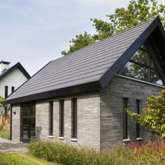 Projecten   van Houtum Architecten Erp Gable Window, Horse Barns, House Plans, Cottage, Exterior, House Design, Windows, Outdoor Decor, Bungalow Ideas