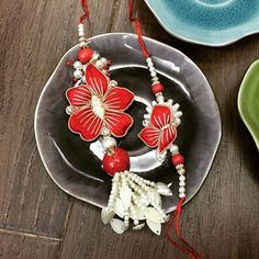 #rakhi #rakshabandhan #festival #india #incredibleindia #brother #sister Rakhi for brother and Lumba for bhabhi (sister in law). #helpingafriend #delivery To order this beautiful #floral piece, leave a comment. We will contact you. #worldwidedelivery We deliver worldwide.