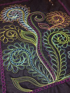 Color changes make it interesting Machine Quilting Patterns, Longarm Quilting, Quilt Patterns, Free Motion Embroidery, Free Motion Quilting, Machine Embroidery, Quilting Tutorials, Quilting Projects, Quilting Ideas