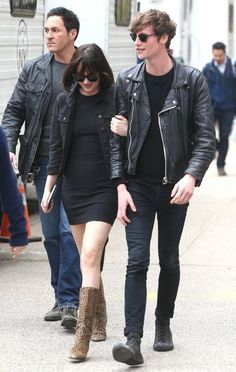 Dakota Johnson Photos Photos - Actress Dakota Johnson and her boyfriend Matthew Hitt are spotted leaving the set of 'How To Be Single' in New Nork City, New York on April 27, 2015. The happy couple recently rekindled their romance after calling it quits earlier this year. - Dakota Johnson and Matthew Hitt Leave the Set of 'How To Be Single'