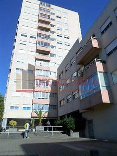renovado T2 Coimbrões (Devesas) – 49.900€ - Opção Certa