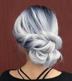 WEBSTA @ hotonbeauty - ❄️ First Day of Winter! ☃️ Icy Silver hair color and elegant chignon by Cheveux Oranges, Silver Grey Hair, Long Gray Hair, Haircuts For Fine Hair, Grunge Hair, Hair Dos, 4c Hair, Ombre Hair, Purple Hair