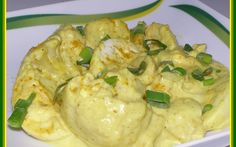Tojásos csirkeragu recept fotóval Hungarian Recipes, Hungarian Food, Potato Salad, Cauliflower, Paleo, Potatoes, Meat, Vegetables, Ethnic Recipes