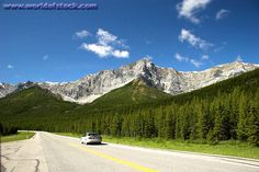 What an awesome scenery! I would love to travel down this highway at high speed!
