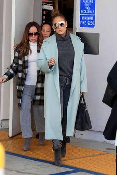 2dd56fd3 Jennifer Lopez Winter Fashion in Beverly Hills 23-12-2018 Curvy  Celebrities, Famous