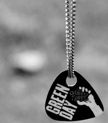 Green day guitar pick neckless