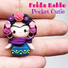 New Frida Kahlo Pocket Cutie! What other characters you would like to see as a Pocket Cutie? Thanks everyone for your support, and stay tuned for an upcoming giveaway! Polymer Clay Kawaii, Fimo Clay, Polymer Clay Projects, Polymer Clay Charms, Polymer Clay Creations, Clay Crafts, Porcelain Clay, Cold Porcelain, Cute Clay