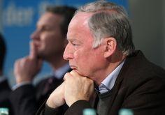 """Politikwissenschaftler Probst sieht AfD vor Rechtsruck in """"Antieuropäischer Allianz"""" - http://www.statusquo-news.de/politikwissenschaftler-probst-sieht-afd-vor-rechtsruck-in-antieuropaeischer-allianz/"""