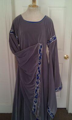 12th century angel sleeve dress