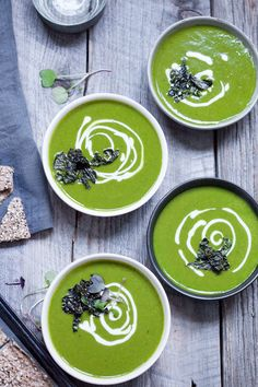 Vibrant Kale and Potato Soup with Salt and Vinegar Crispy Kale | www.80twenty.ca