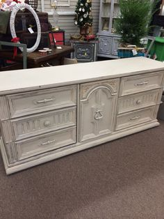 6 drawer with middle cabinet painted a creamy white 29900
