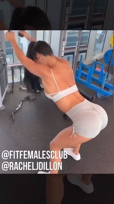 Build bigger biceps and a strong back with this upper body dumbbell workout routine. Gym Workout Videos, Gym Workouts, At Home Workouts, Workout Routines For Women, Fitness Workout For Women, Back Fat Workout, Butt Workout, Dumbbell Workout, Video Sport