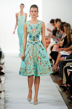 Oscar De La Renta: Spring/Summer 2014 - Fashion Diva Design. (The dresses in this collection are stunning!)
